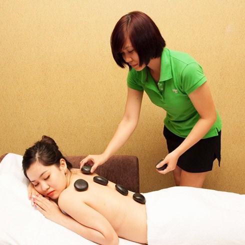 Massage body/massage foot đá nóng (90 phút) tại Green Spa