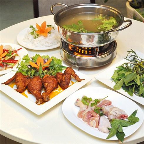 1 trong 3 set ăn từ thịt gà đi bộ - Nhà hàng Thiên Phước