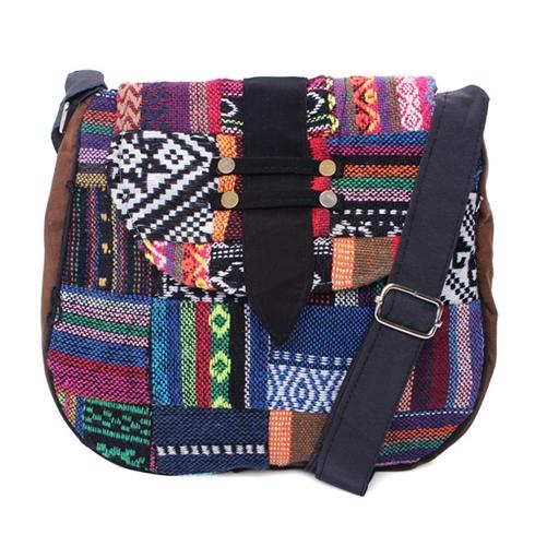 Túi đeo chéo thêu họa tiết Vn's Love MS05