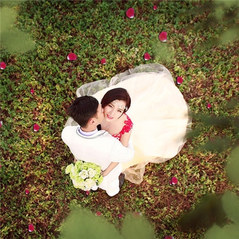 Thử làm cô dâu xinh tươi và quyến rũ cùng Huỳnh Ngô Studio