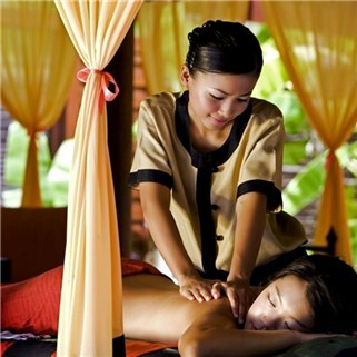 Massage body, massage foot, làm sáng mịn da - Snow Queen Spa