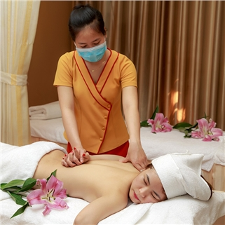 Nhóm Mua - Massage body tinh dau, massage chan cho couple – Golden Hands