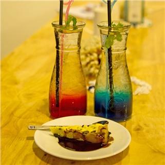 Nhóm Mua - Combo 2 Soda Y tu chon + 1 banh ngot tai Ban Mai Xanh Coffee