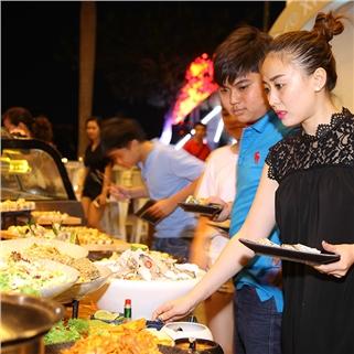 Nhóm Mua - Buffet BBQ, Sushi hon 50 mon ( Co mon chay ) - Wabar CN Q7