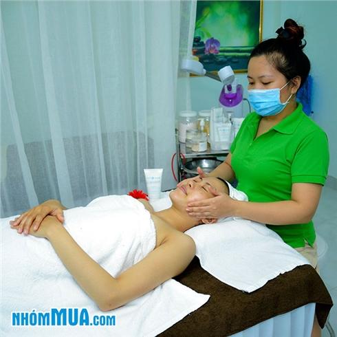 Massage body và chăm sóc da mặt với Collagen vàng – Evergreen