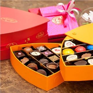 Nhóm Mua - Hop chocolate tam giac 2 tang gom 28 vien tai Boniva