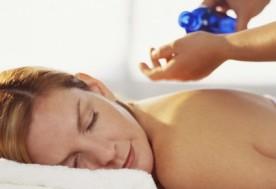 Massage tinh dầu hương thảo (45 phút) tại Spa Tuyết Ngọc