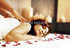 Massage thư giãn bấm huyệt đá nóng kết hợp làm săn chắc 3 vùng bụng - eo – đùi ( không bao gồm quấn tảo ) 75 phút tại Word Spa.