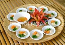 Thưởng thức các món ăn đậm chất Huế tại Quán Lá