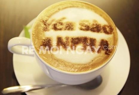 Phần ăn sáng gồm 1 tô hủ tiếu Nam Vang + 1 ly café yến
