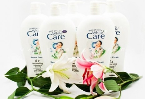 combo 2 chai sữa tắm White care (1200ml) + Leivy naturally (1150ml)