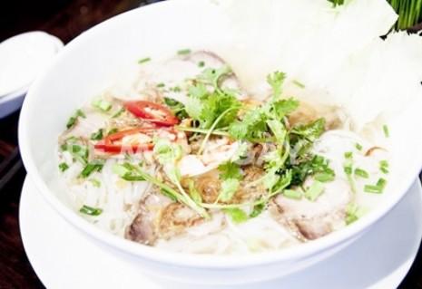 1 ly cà phê yến sào đặc biệt + 1 phần ăn sáng hủ tiếu Nam Vang tại nhà hàng Yến sào Anpha