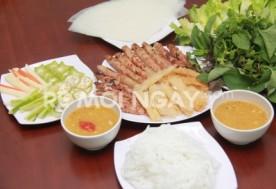 Combo 2 phần nem nướng hoặc 2 tô bún nem nướng dành cho 2 người tại quán Bà Nghĩa Đà Lạt