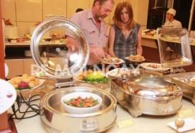 Buffet cuối tuần( Thứ 7, Chủ Nhật) tại nhà hàng PANORAMA – KHÁCH SẠN NEW EPOCH.