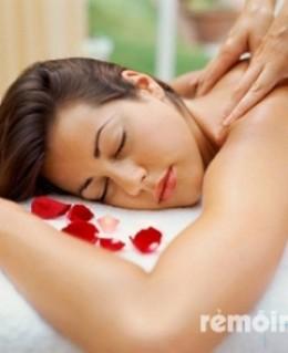 Massage body đá nóng núi lửa thiên nhiên 100% kết hợp tinh dầu lemangrass (75') tại spa Hoàng Phương