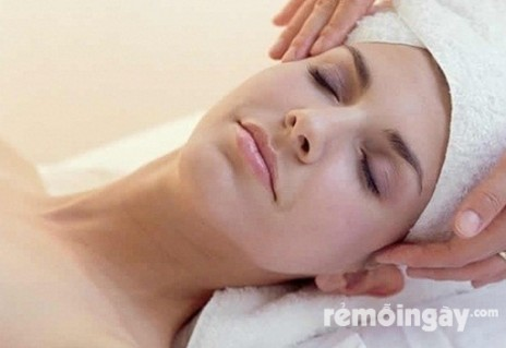 Massage mặt và đắp mặt nạ ngọc trai (70') tại spa Hoàng Phương