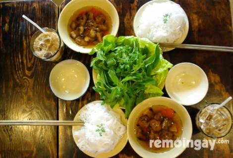 Combo 2 tô bún chả Hà Nội và 2 ly café (đá hoặc sữa) tại La Cafe