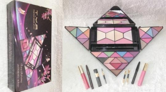 Bộ Kit trang điểm T.Y.A New 2013 giá rẻ chỉ 115.000vnđ,gồm 48 món cho bạn gái tha hồ chọn lựa.