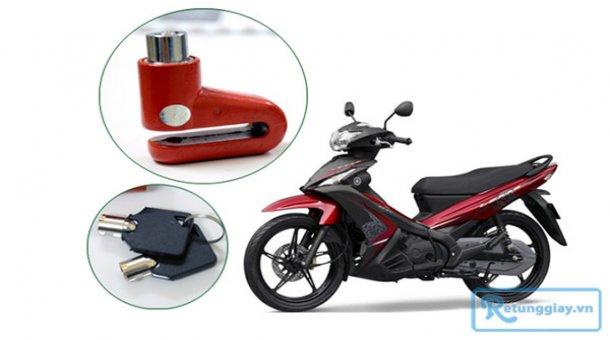 """Khóa phanh đĩa xe máy chống trộm an toàn cho """"xế yêu"""" với giá chỉ 62.000 vnđ cho giá trị sử dụng 150.000 vnđ. Giá cực rẻ chỉ có tại Retunggiay.vn!"""