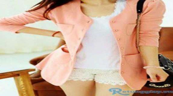 Áo khoác Blazer chỉ 115.000 vnđ .Giúp bạn gái đẹp dịu dàng và vô cùng sang trọng với giá cực rẻ tại Retunggiay.Vn