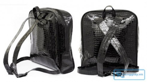 Ba lô giả da cá sấu chỉ 90.000 vnđ có ngăn đựng dành riêng cho laptop có khả năng chống sốc, chống nước. Giá cực rẻ chỉ có tại Retunggiay.vn!