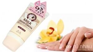 Kem dưỡng ẩm da tay đến từ Hàn Quốc - Cung cấp dưỡng chất và chăm sóc dịu nhẹ cho đôi tay luôn mềm mịn và không khô nứt. Sản phẩm trị giá 228.000 ưu đãi 57% còn 99.000. Duy nhất có tại