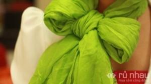 Khăn lụa nhăn - Tô điểm cho mùa đông với 5 màu thời trang độc đáo - Mềm mại cho bạn biến hóa nhiều kiểu quàng khăn khác nhau. Sản phẩm trị giá 120.000 ưu đãi 46% còn 65.000