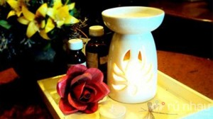 Xông hương - khử mùi cho cả gian phòng, mang đến sự thư giãn tuyệt vời với combo đèn xông tinh dầu + 01 chai tinh dầu + 01 nến. Sản phẩm trị giá 145.000đ ưu đãi chỉ còn 59.000đ. Đừng bỏ lỡ cơ hội tại Rủ Nhau