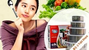 Bộ 5 bát inox bảo quản thức ăn Yali - trợ thủ đắc lực trong nhà bếp giúp các bà nội trợ bảo quản thức ăn một cách thông minh và an toàn. Sản phẩm trị giá 110.000 ưu đãi 50% còn 55.000. Sản phẩm đang có tại