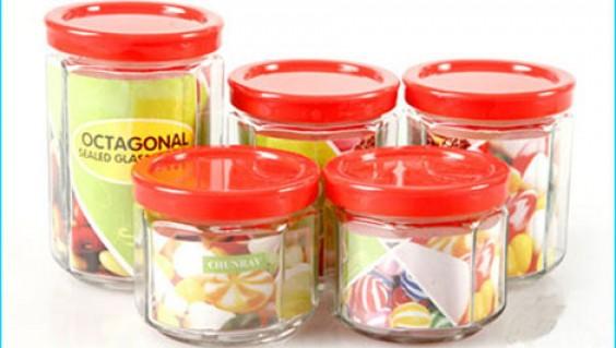BỘ 5 HŨ ĐỰNG GIA VỊ: Chất liệu thủy tinh cao cấp, tiện dụng, thích hợp đựng gia vị, bánh mứt và làm đẹp thêm cho căn bếp nhà bạn. Bộ sản phẩm trị giá 150.000đ ưu đãi còn 75.000đ. Đừng bỏ lỡ cơ hội tại Rủ nhau