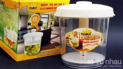 Hộp muối dưa cà thông minh FUJIKA - Cùng đãi cả nhà món dưa - cà - củ kiệu thật ngon trong dịp Tết. Sản phẩm trị giá 270.000 ưu đãi 50% còn 135.000 hiện có tại