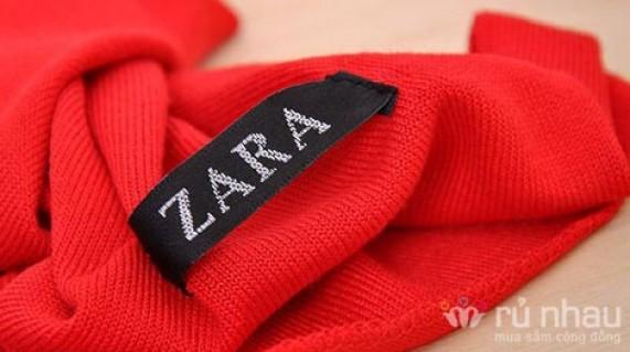 Khăn len quàng cổ phong cách ZARA cho bạn gái vẻ đẹp nhẹ nhàng, nữ tính ngay cả trong những ngày lạnh. Sản phẩm trị giá 150.000 còn 69.000. Ưu đãi 54% duy nhất có tại