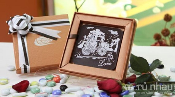 Chocolate 3D - Quà tặng ngọt ngào cho ngày lễ Tình Nhân - 100% Chocolate Bỉ nguyên chất - Hộp quà cứng sang trọng, đính nơ xinh xắn. Sản phẩm trị giá 250.000 còn 170.000