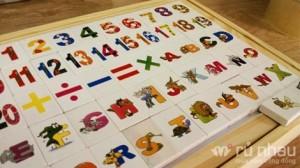 Bộ học toán và chữ cái bằng gỗ cho bé - Bé vừa chơi vừa học thật hào hứng và bổ ích. Sản phẩm trị giá 225.000 chỉ còn 125.000. Mức ưu đãi 44% và sản phẩm duy nhất có tại