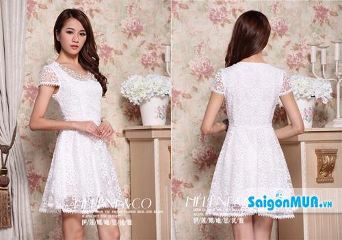 Đầm ren xòe hoa mai cổ đính kim sa với thiết kế váy xòe ren hoa mai va áo lót phi trên nền trắng ...