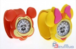 Đồng hồ tay đập dành cho bé giá chỉ có 73.000đ, thiết kế trẻ trung, dễ kết hợp với nhiều loại trang phục khác nhau của bé. - Sản phẩm cho bé