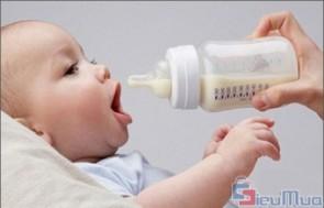 Máy hâm sữa YUMMY 18A giá chỉ có 119.000đ, thao tác đơn giản và giữ ấm lâu, là sản phẩm tuyệt vời dành tặng cho mẹ và bé.