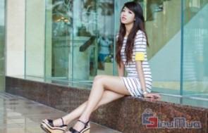 Đầm thun sọc tay lở giá chỉ có 115.000đ, kiểu dáng thời trang, đầm ngắn trên gối giúp chân bạn trông dài và thon hơn.