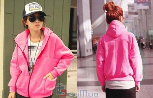 Áo khoác Teen Pink giá chỉ có 119.000đ, thiết kế kiểu cổ cao cách điệu và mũ sau thời trang đem đến cho bạn gái nét ngọt ngào. - 1 - Thời Trang Nữ - Thời Trang Nữ