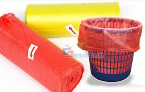 Combo 8 cuộn túi Nylon đựng rác giá chỉ có 73.000đ, sản xuất từ chất liệu nylon dẻo nên rất dai và chắc chắn giúp bạn đựng được nhiều loại rác khác nhau mà không sợ bị rách.