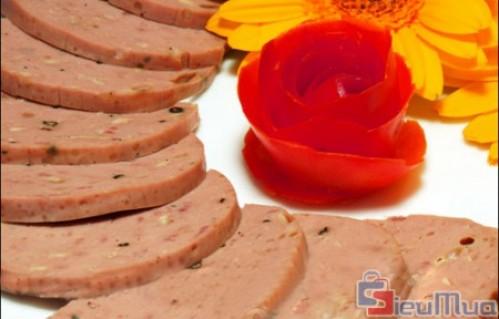Đặc sản chả bò Đà Nẵng 500gr giá chỉ có 165.000đ. Được làm từ 100% thịt bò tươi nguyên chất, đảm bảo hương vị đặc trưng. Là quà biếu giá trị cho người thân, bạn bè, đồng nghiệp.