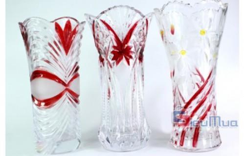 Bình hoa pha lê sang trọng giá chỉ có 95.000đ. Làm bằng pha lê và phối màu đẹp mang lại không gian sang trọng, quý phái hiện đại cho mỗi gia đình.