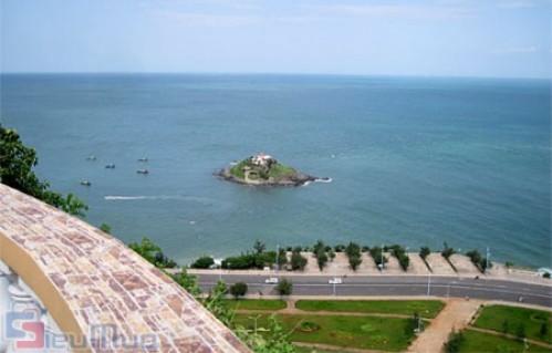 Tour du lịch Vũng Tàu Tết Quý Tỵ 2 ngày 1 đêm dành cho 1 người giá chỉ có 765.000đ. Tận hưởng giây phút nghỉ ngơi thoải mái tại thành phố biển hoa sứ.