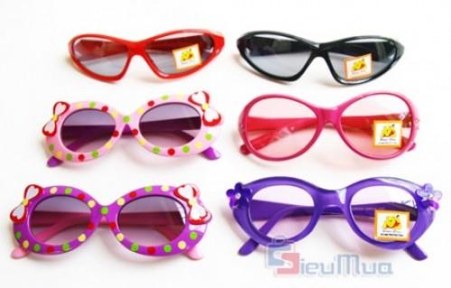 Mắt kính cho bé trai và bé gái giá chỉ có 85.000đ, mẫu mã đa dạng, có khả năng chống bụi và tia UV, bảo vệ tuyệt đối cho đôi mắt của bé. - 2 - 5 - Thời Trang Trẻ Em - 2 - 5 - Thời Trang Trẻ Em - Thời Trang Trẻ Em