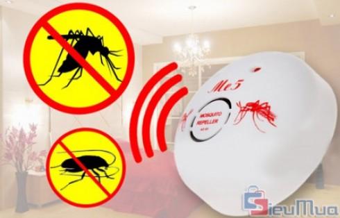 Máy đuổi côn trùng ME5 giá chỉ có 108.000đ. Sử dụng xung điện kỹ thuật không tạo mùi, không gây tác dụng phụ. An toàn cho gia đình và vật nuôi.
