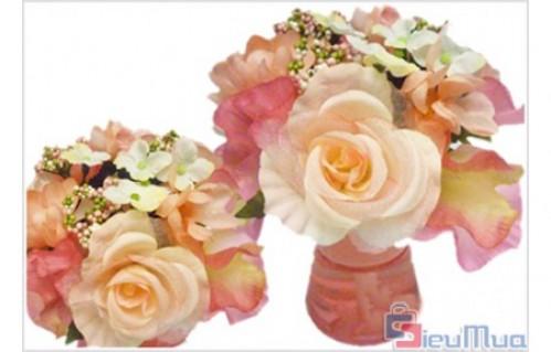 Bình hoa tỏa hương Avanti giá chỉ có 100.000đ. Hương thơm dịu nhẹ, tinh khiết. Sự kết hợp tinh tế tạo nên một không gian tràn ngập mùi hương và đầy màu sắc hoa.