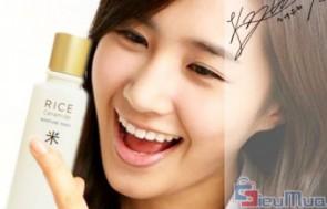 Nước hoa hồng sữa The Face Shop giá chỉ có 80.000đ. Sản phẩm nhập khẩu Hàn Quốc, thương hiệu được phụ nữ Châu Á tin dùng. Nhanh chóng loại bỏ bụi bẩn và chất bã nhờn cho bạn làn da sáng hiệu quả.