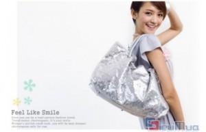 Túi xách kim sa sang trọng giá chỉ có 155.000đ, kiểu dáng lịch sự và duyên dáng, phong cách thiết kế phù hợp theo từng mùa trong năm.