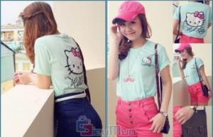 Áo thun Hello Kitty giá chỉ có 79.000đ, kiểu dáng cổ tròn, tay ngắn, thun mềm. Phong cách nữ tính duyên dáng đáng yêu.