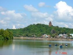 Chương trình du lịch Phú Yên: HUYỀN BÍ DÃI...